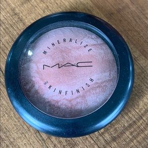 MAC Mineralize Skinfinish - Lust